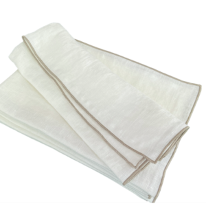 WHITE PLACEMAT NATURAL PIPING